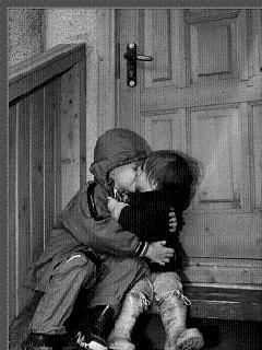 Картинка Дети целуются