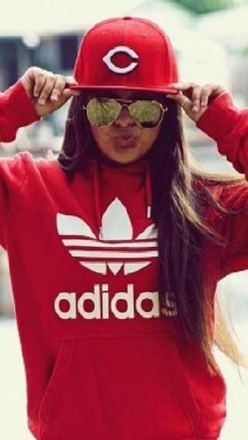 Девушка & Adidas