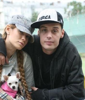 Картинка Гуф с женой Айзой