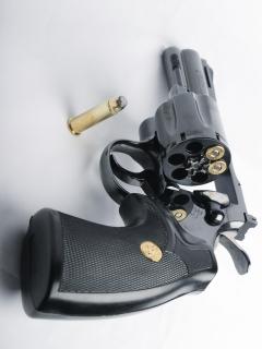 Картинка Револьвер