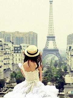 Картинка Девушка в Париже